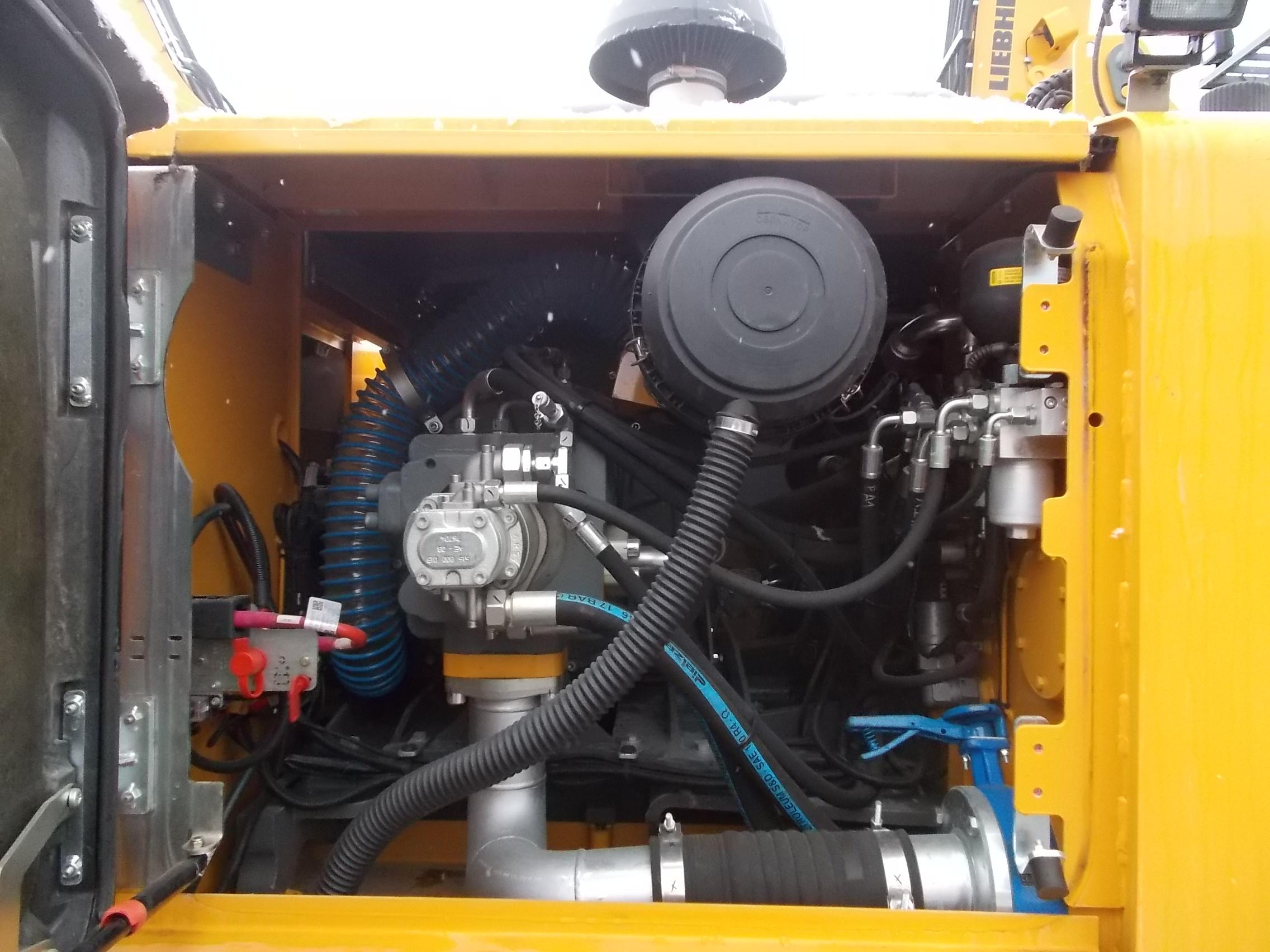 LH 26C Electric-1704-83202_007.JPG