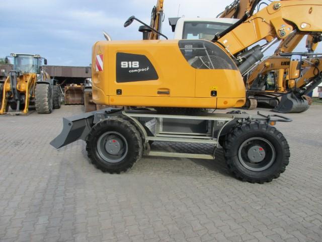 A918 Compact LI-1192-83699 - ex LMP_003.JPG