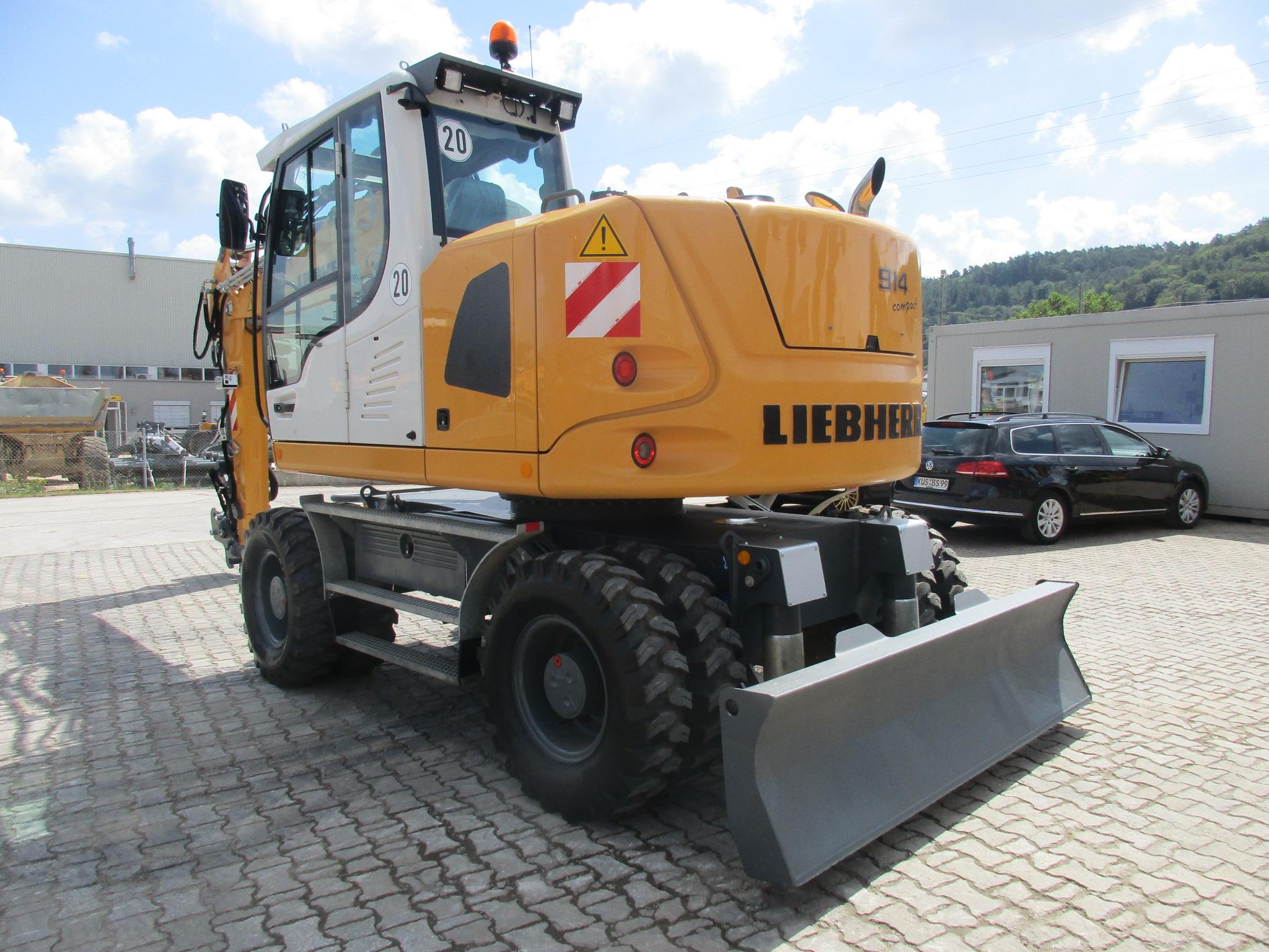 A914 Compact LI-1188-77728 - ex LMP_005.JPG