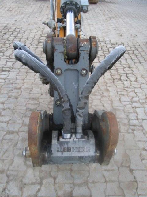 R920 LC-1310-38642 - ex LMP_009.jpg