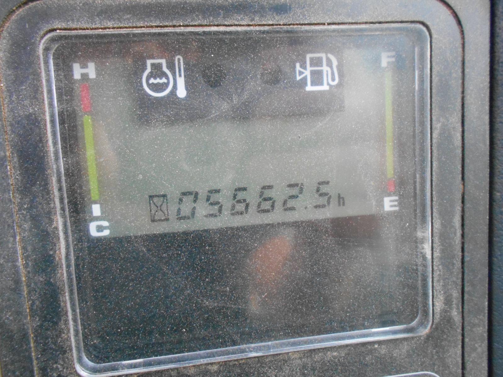 Komatsu PW98 026.JPG