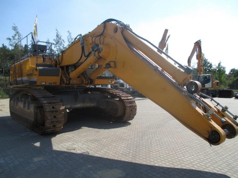R 964C SHD LI-1009-29653_004.JPG