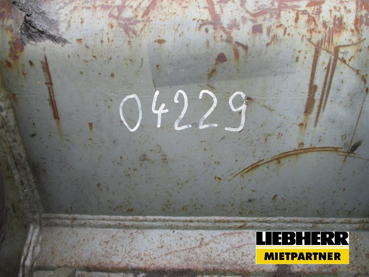 04229 (2).jpg