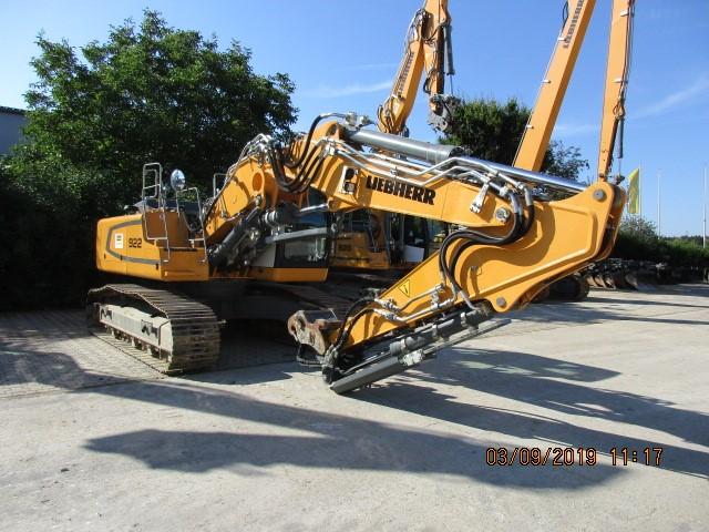 R922 LC-1379-41843_0.jpg