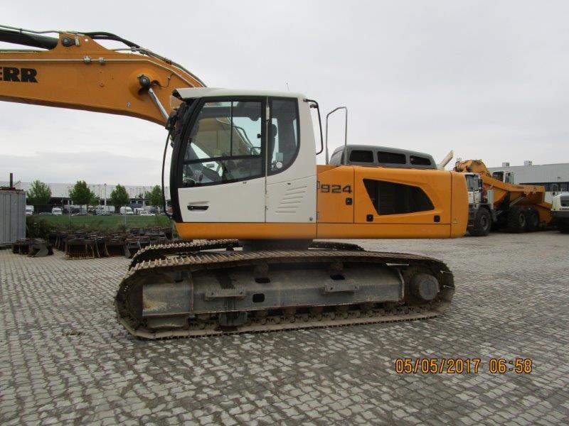 R 924 LC LI -1318-37953_002.jpg