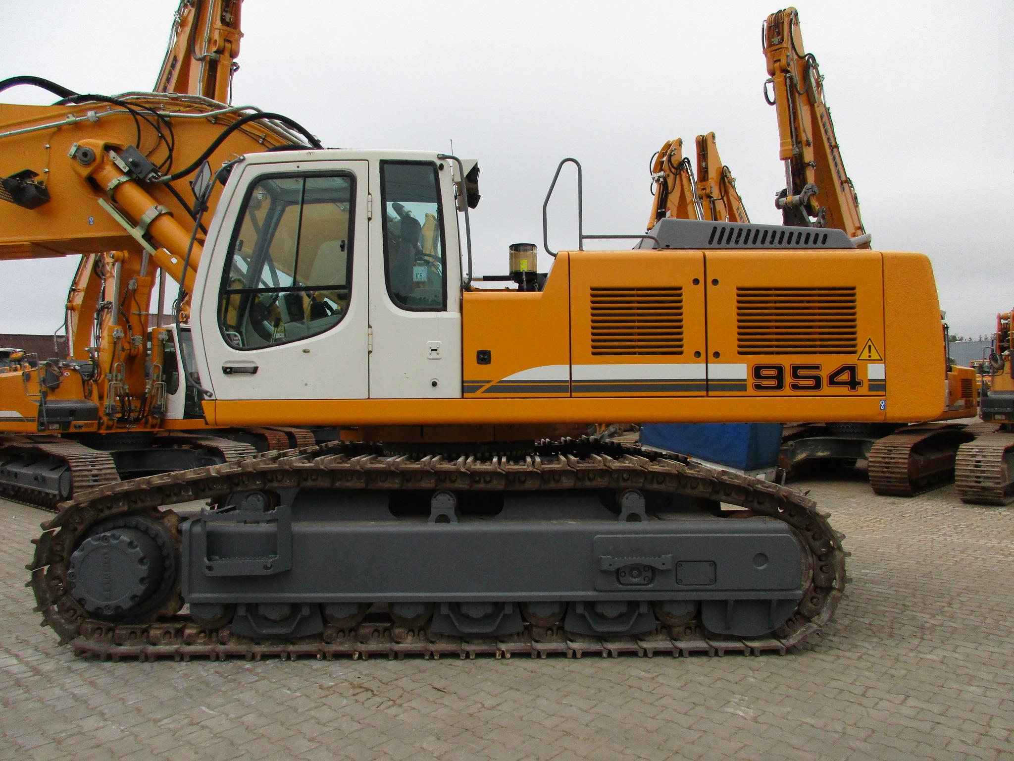 R 954C SHD LI -784-23630_001.JPG