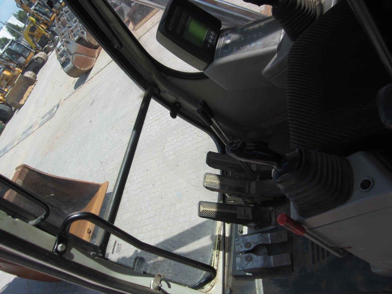 R954C V LI-780-19215_006.jpg