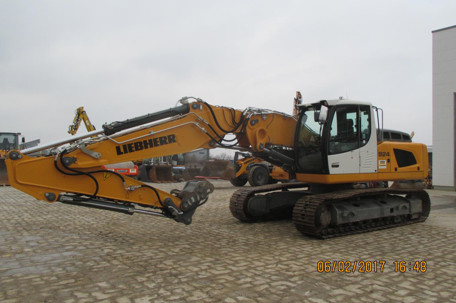R924 LCLI-1318-37595_001.JPG