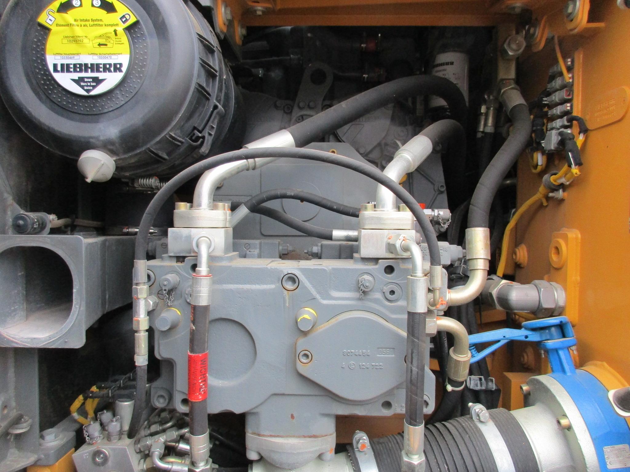 R916 Advanced LC-423-33121_008.JPG