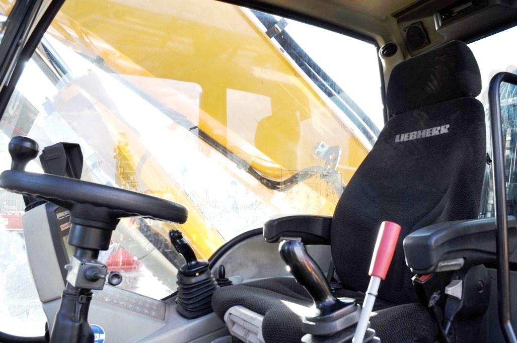 A934C 62944 (13) cab.jpg