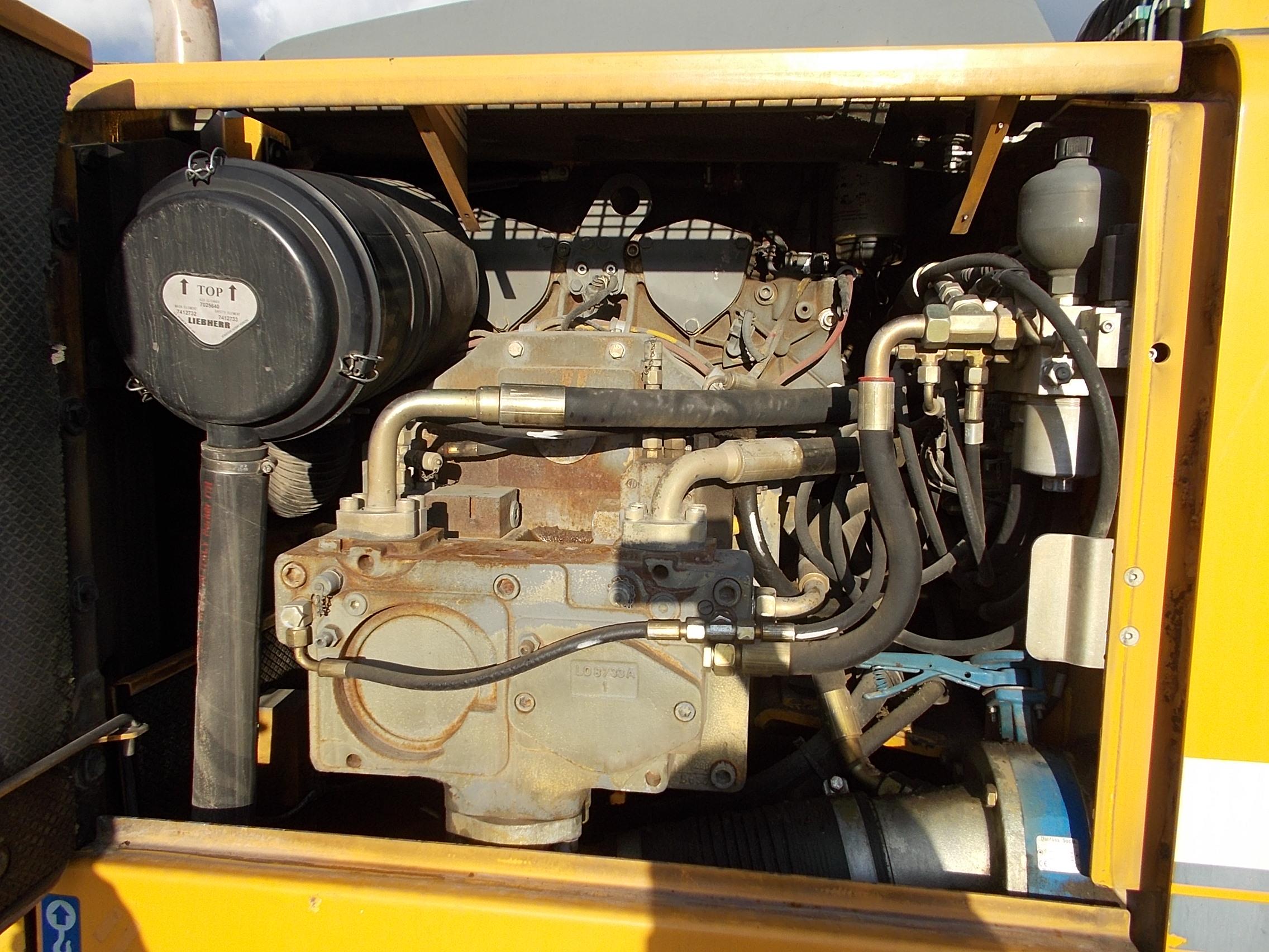 A 904C IND LI-1004-35228_007.JPG