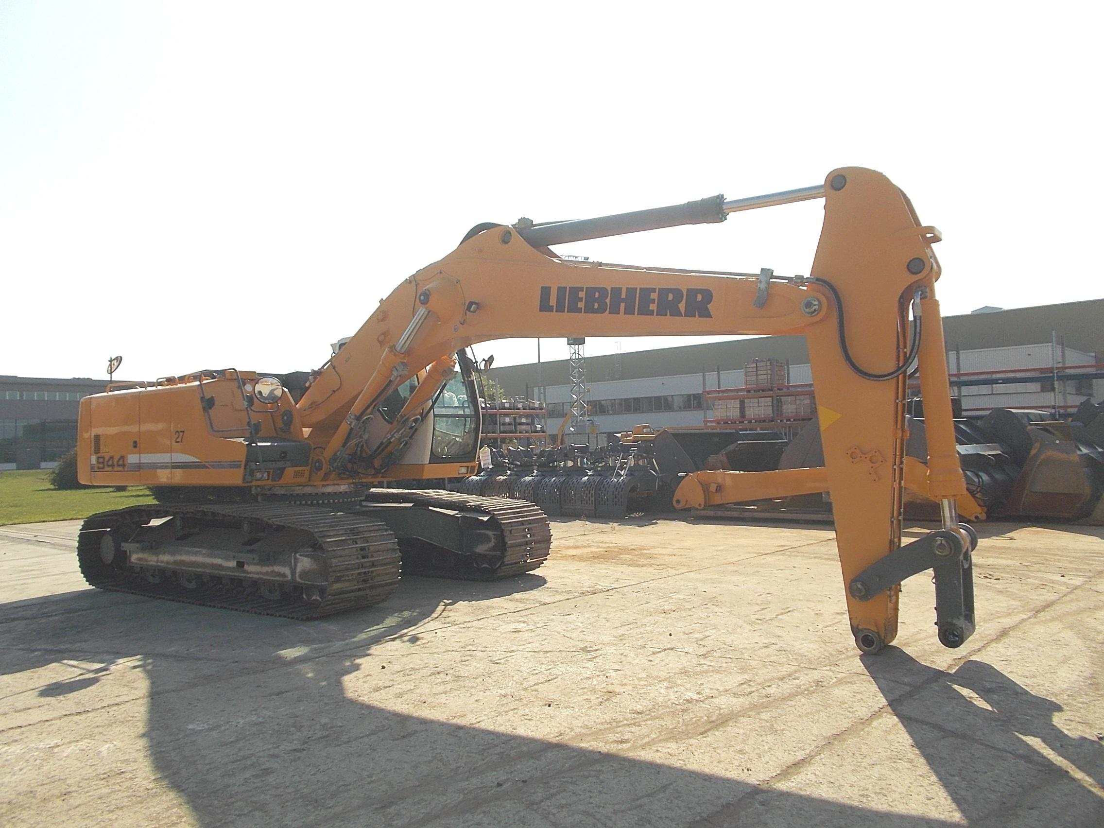 R944C LC LI-1339-32004_007.JPG