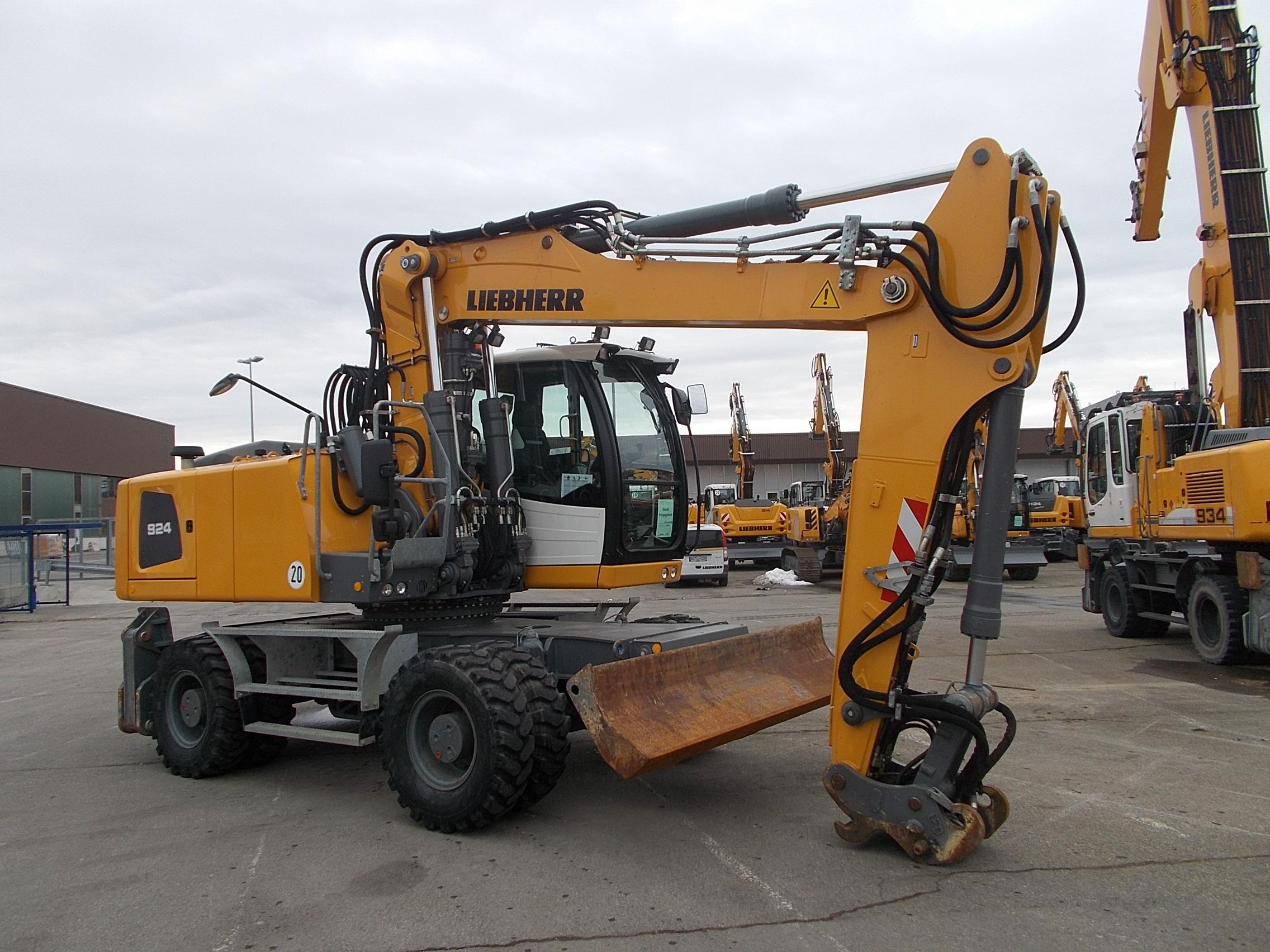 A 924 EW LI- 1180-73114_004.JPG