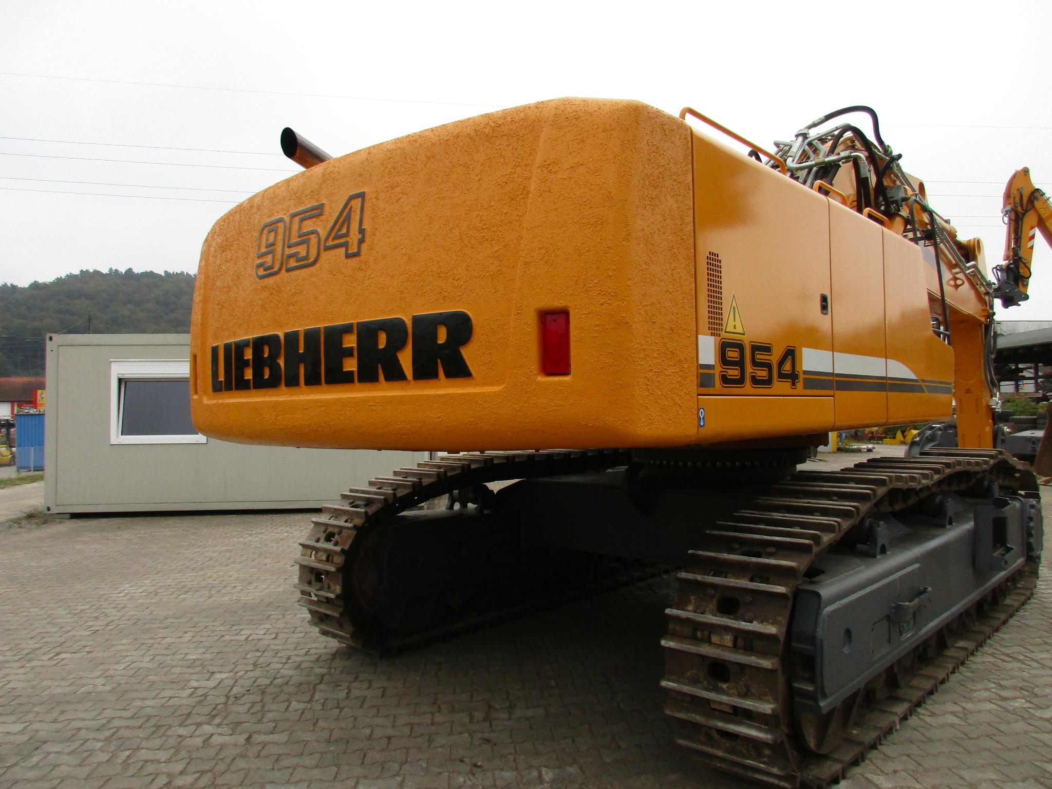 R 954C SHD LI -784-23630_003.JPG