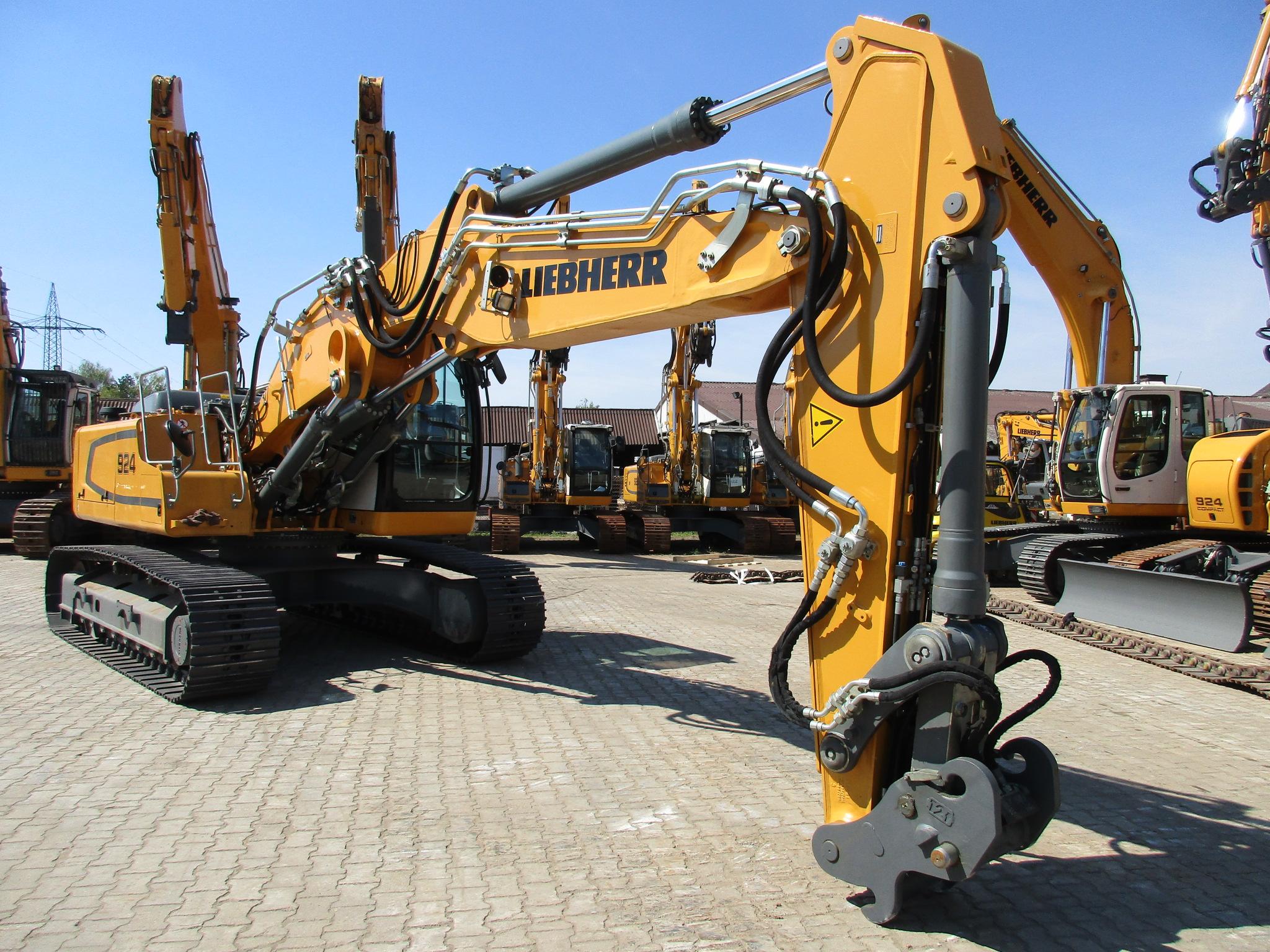 R 924 LC LI-1318-37395_006.JPG