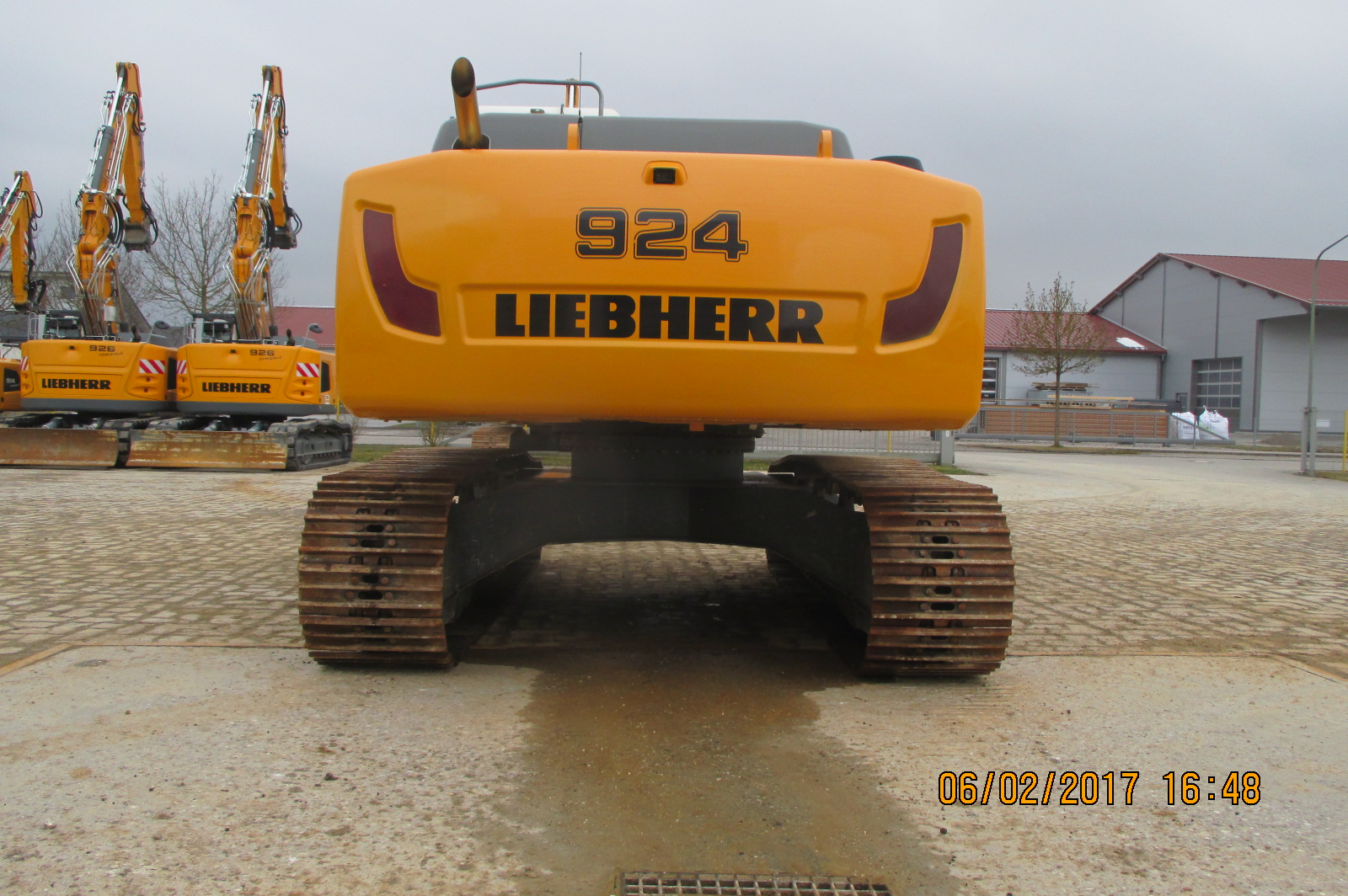 R924 LCLI-1318-37595_003.JPG