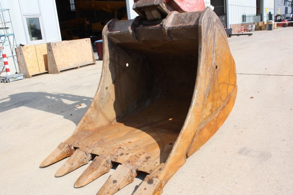 R946 37030 (11) bucket.jpg