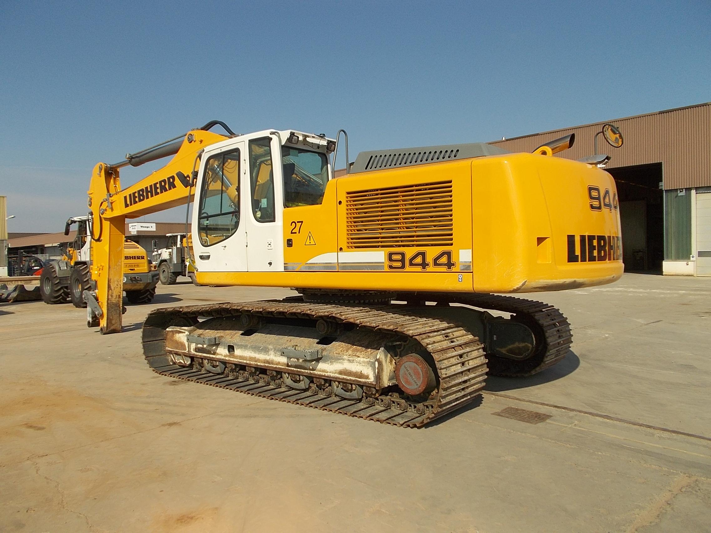 R944C LC LI-1339-32004_003.JPG