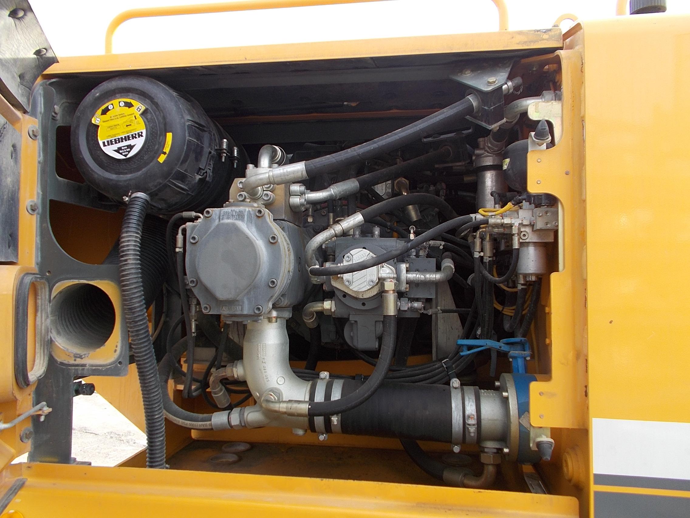 R944C-NLC-LI-1338-33949_006.JPG