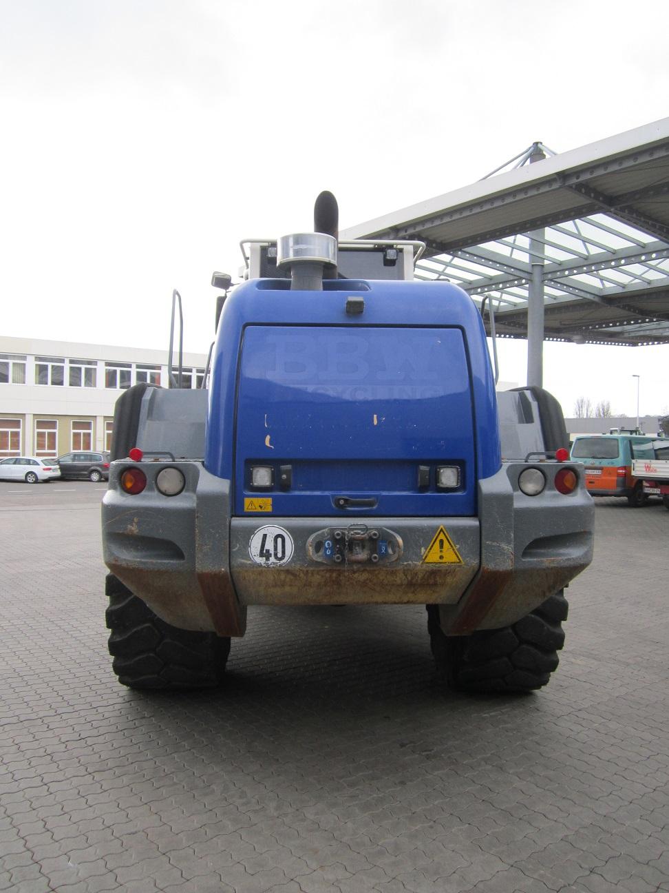 gebr. LIEBHERR-Radlader L 566 2+2 SL 37341 (5).JPG