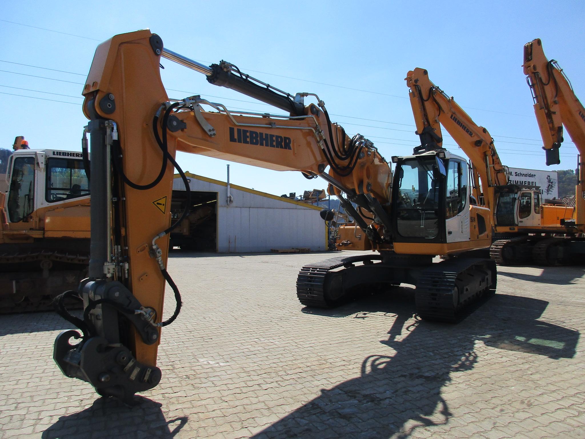 R 924 LC LI-1318-37395_001.JPG