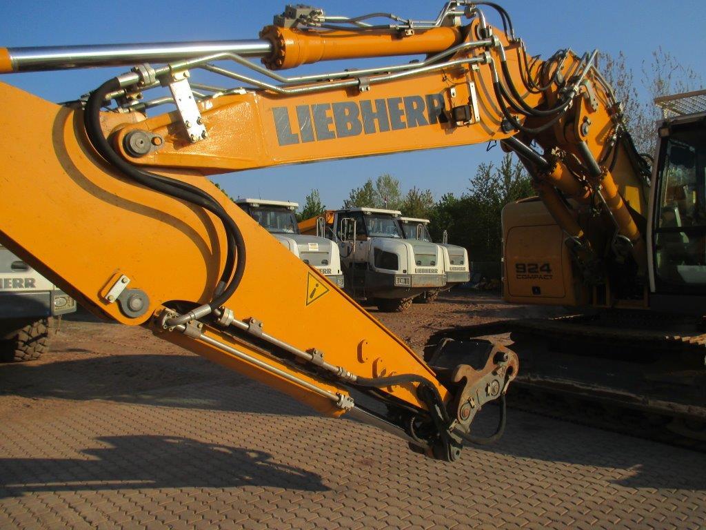 R 924 Comp. LI-1056-34035_005.jpg