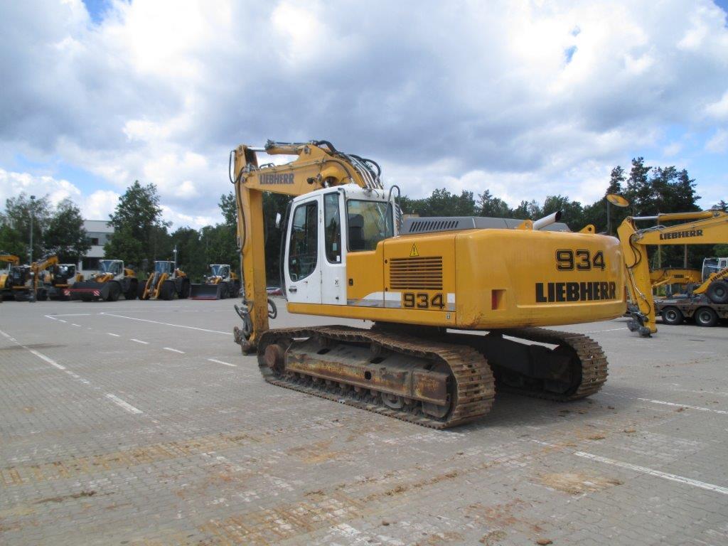 R 934C NLC LI-1335-30423_002.jpg