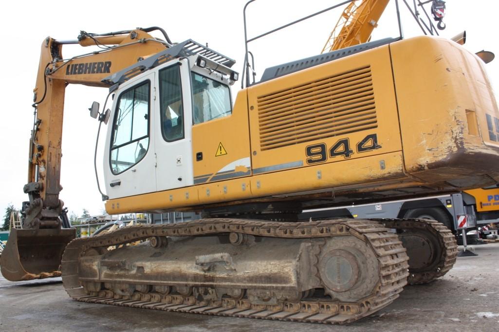 R944C 32443 (1).jpg