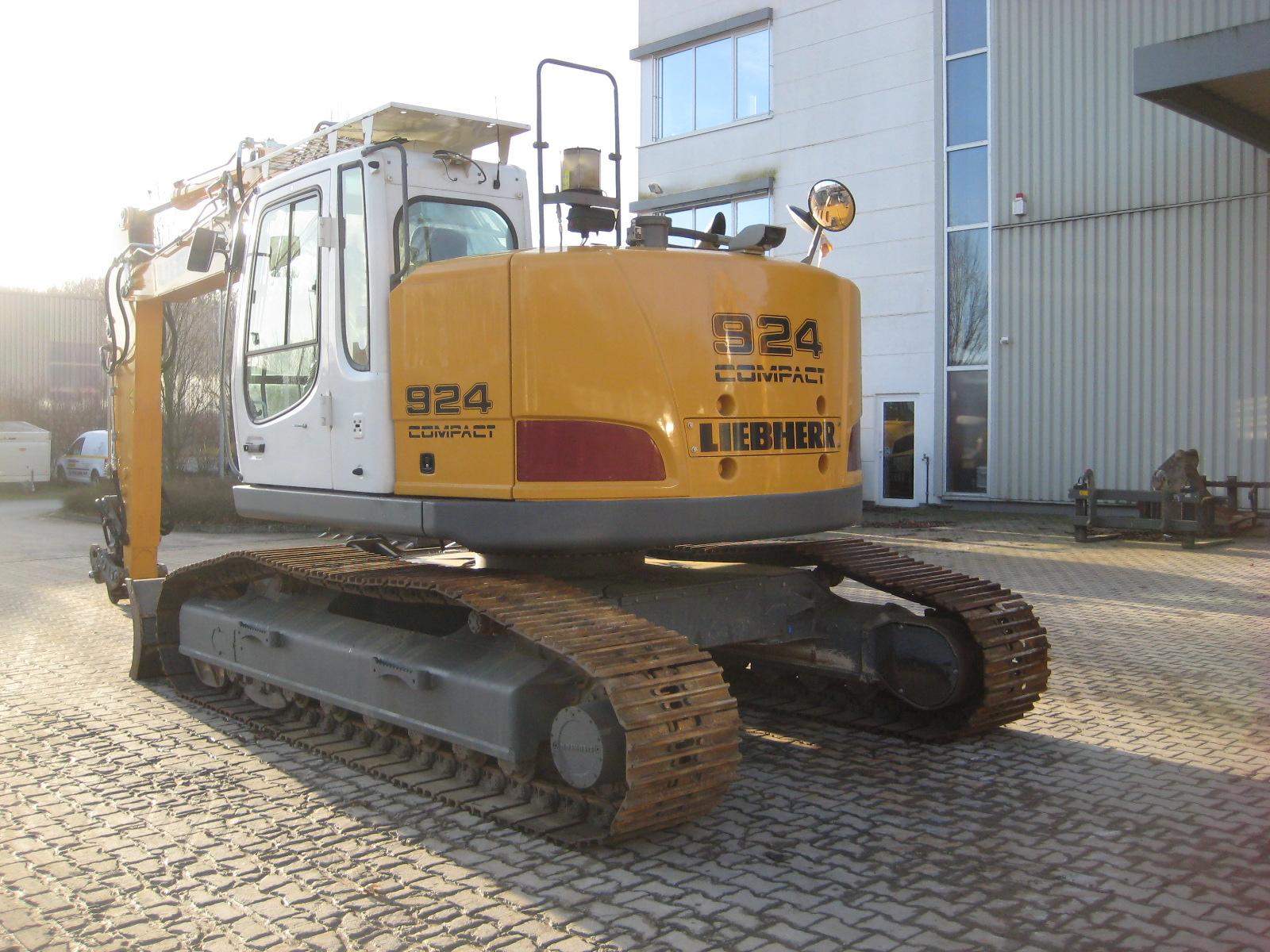 R 924 Comp. LI -1056-32845_003.JPG