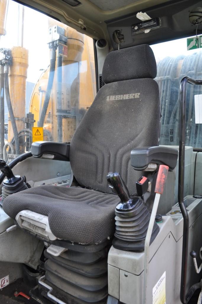 A934C 58073 (12) cab.jpg