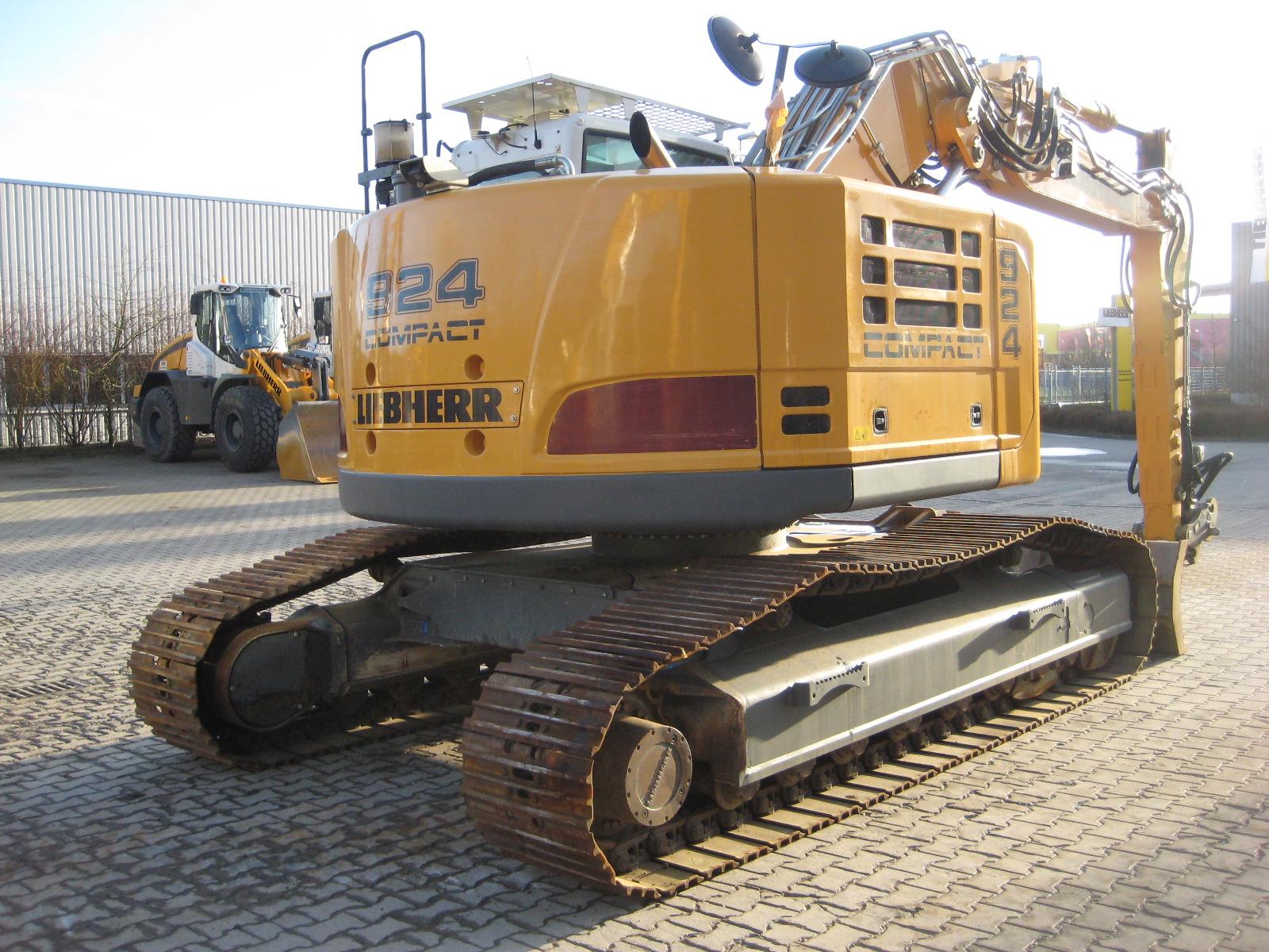 R 924 Comp. LI -1056-32845_005.JPG