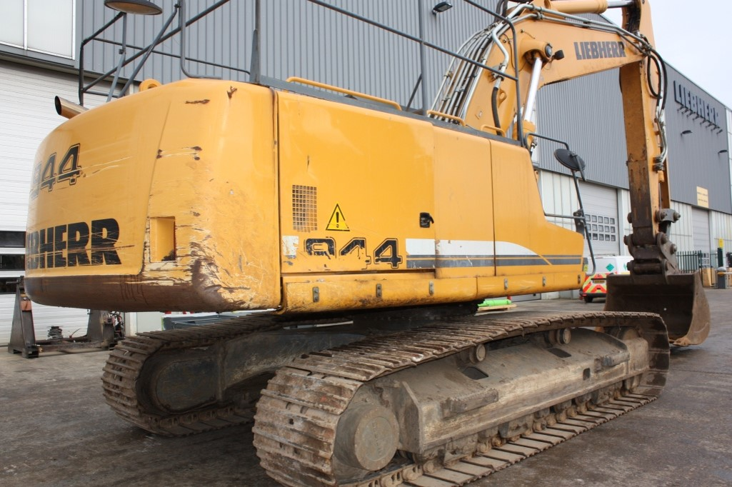 R944C 32443 (8).jpg